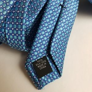 IKE GEHAR NYC 100% silk Tie blue square